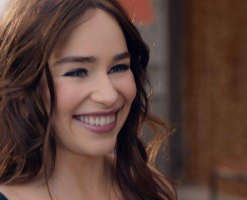 Emilia Clarke de Game of Thrones no filme de lançamento da fragrância The One de Dolce&Gabbana